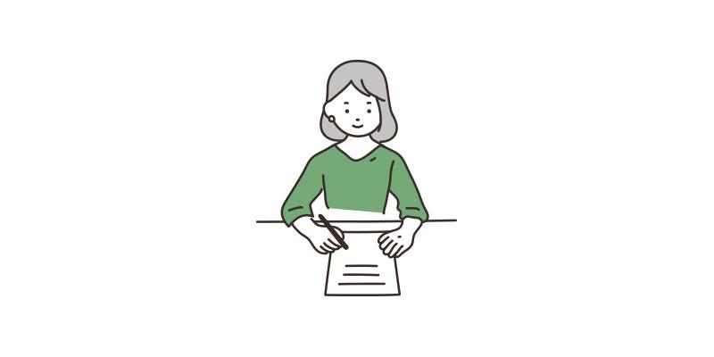 財産リストを作る若い女性