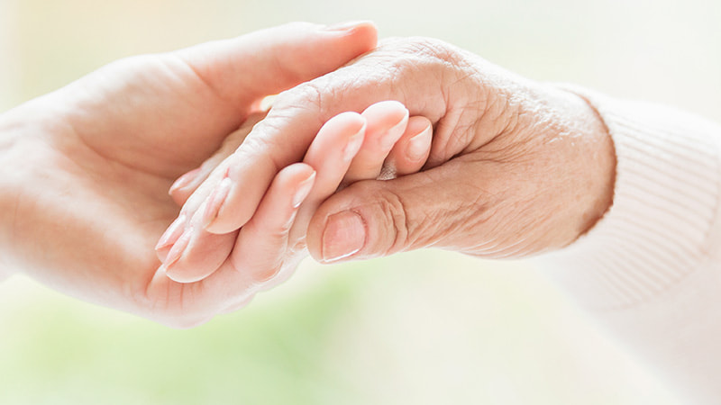【図解】超高齢化社会の問題と対策についてわかりやすく解説